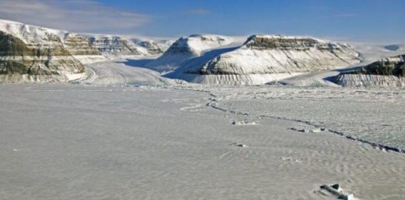 Ученые предупреждают, что к средине 21 века Гренландский щит полностью растает