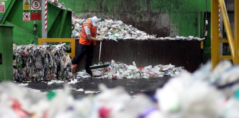 В Франции введут систему штрафов для компаний, которые используют неперерабатываемый пластик