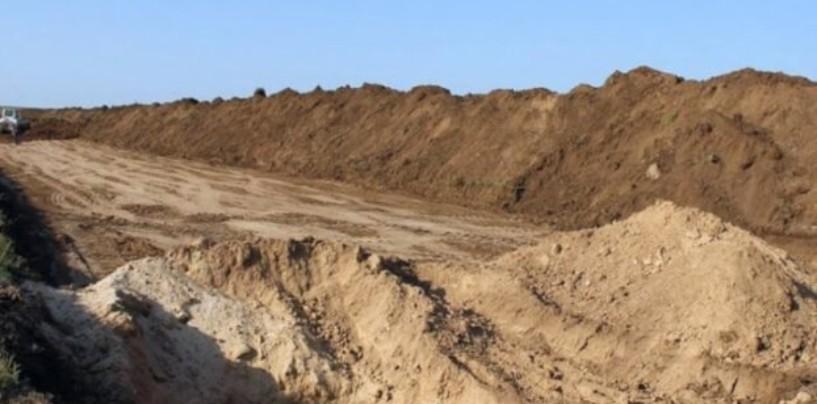 Курорт Евпатория на грани гибели: власть испугалась, но уничтожение пляжей продолжается