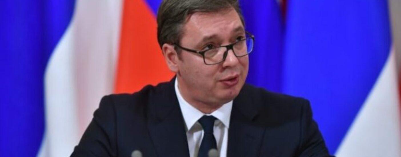 Глава Сербии попросит совета у Путина после обострения ситуации в стране
