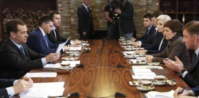 Медведев подписал постановление, которое позволит снижать тарифы на утилизацию отходов