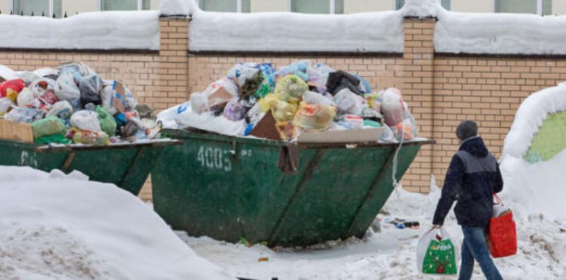 Смольный может снова отложить начало мусорной реформы Санкт-Петербурга. Всё еще хуже: почему снова откладывается «генеральная уборка» Петербурга